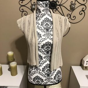 Old Navy Cream Knit Cropped Cardigan M
